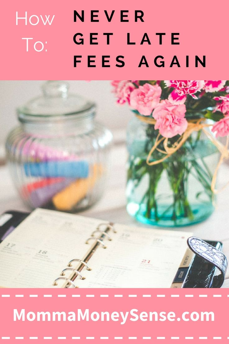 Are you so disorganized that you end up with tons of late fees? Here's the solution: the bill organizer kit. Use this method to never get late fees again! #frugal #living #pay #your #bills #save #money #budgeting #organizer #worksheets #printable #free