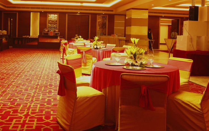 Select one of the best banquet halls in south delhi, vasant kunj to host your next event. Get ultimate feel of an exotic banquet hall in your budget.