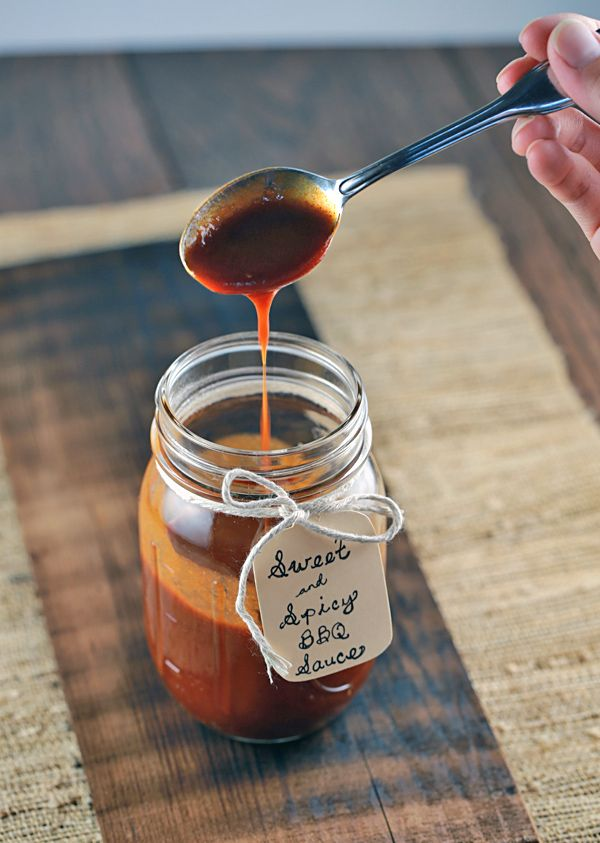 Sweet and Spicy Barbecue Sauce | jessicagavin.com