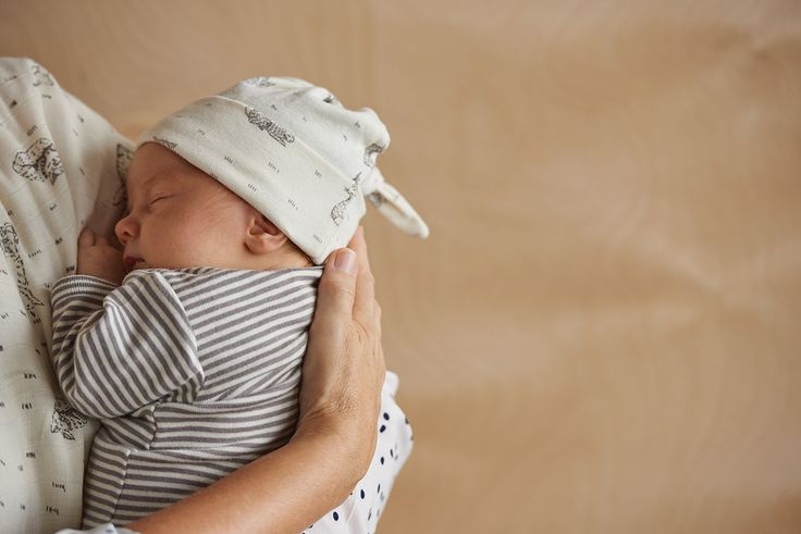 Because a baby's head is so vulnerable to the elements, a hat is essential to prevent heat loss. Features a knotted top that can be adjusted to fit baby's head.