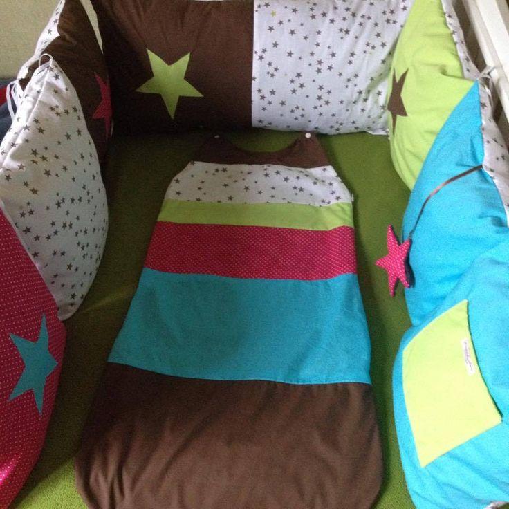 Ensemble tour de lit thème étoile.