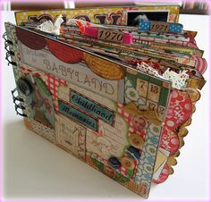 love these mini scrapbooks
