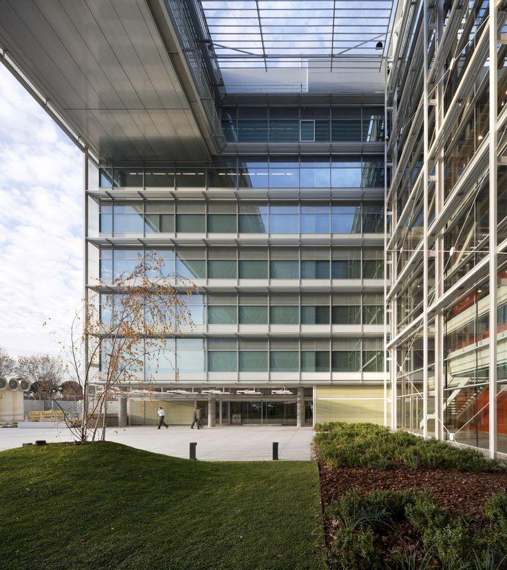 Arquitectos Ayala · Banco Popular Headquarters Abelias Street, Madrid · Divisare