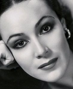 Le Petite Belle: Old Hollywood Beauty Inspiration: Dolores del Rio