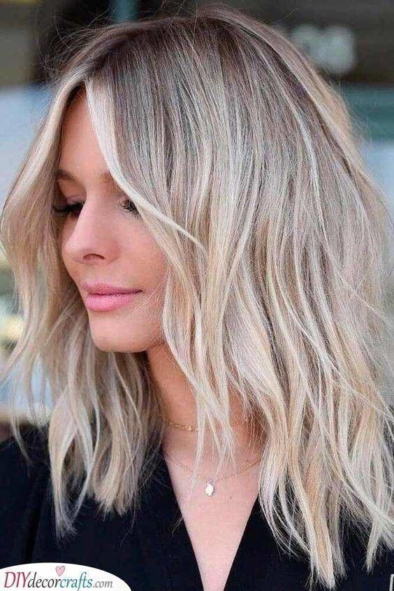 Wavy Beach Vibes Hairstyles For Women With Thin Fine Hair Bobhairstylesforfin Wavy Be In 2020 Coole Frisuren Frisuren Fur Feines Dunnes Haar Feine Dunne Haare