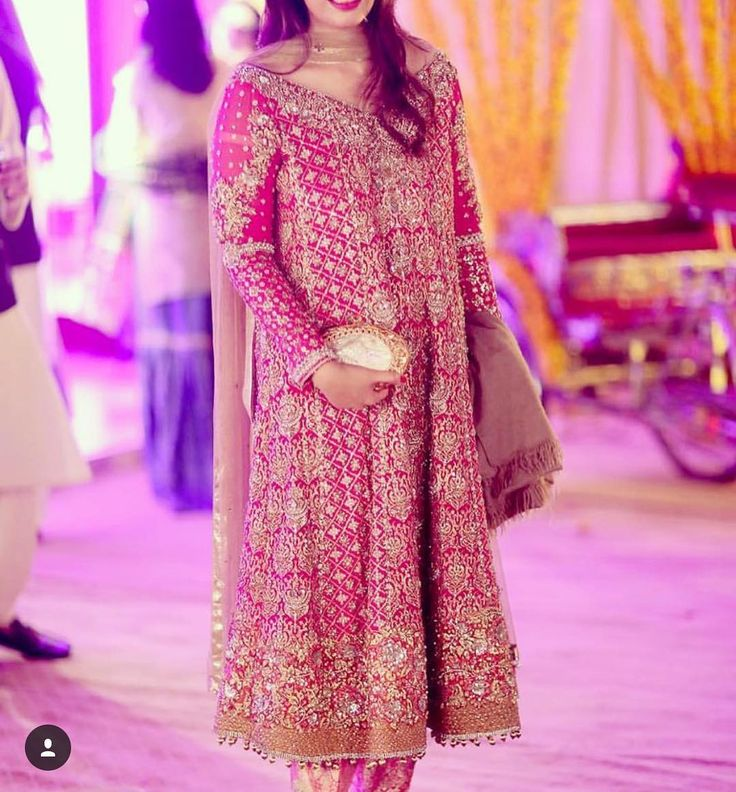 To order this dress please DM or email at divinedesigns@live.com/info@divinedesignsstore.com or whatsapp +923242500787 #dulhan#bridalwear#hudabeauty#onlinestore#londonmua#oslo#minahasan#repulicwomenswear#elan#elanofficial#farazmanan#drharoon#bridalcouture