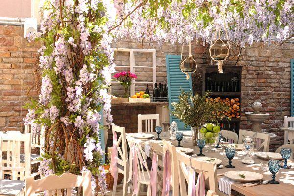 6 Tips für ein Wochenende in Budapest, Ungarn – Zu den Highlights gehört das Vintage Garden Restaurant mit romantischem Hinterhof mitten in der Stadt.