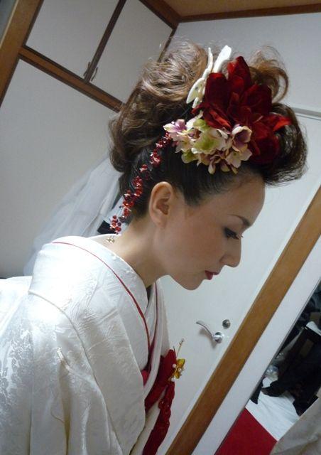 「白無垢」や「色打掛け」に《リーゼント風の洋髪》を合わせたい!おしゃれなヘアカタログ12選♡* | ZQN♡