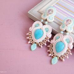 ~ s h e r a z a d e ~ favolosi grandi orecchini soutache cabochon perle giada vetro gioielli rosa azzurro menta pastello