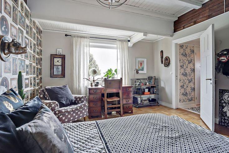 Stort sovrum med plats för skrivbord. Fasanstigen 5 - Bjurfors