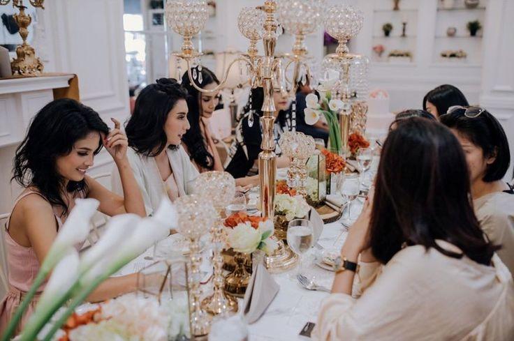 Berikut foto-foto Tyas Mirasih bersama sahabatnya menggelar acara pesta lajang atau bridal shower, lihat penampilannya yang sexy dan elegan banget.