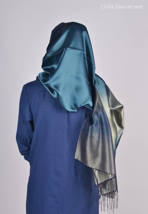 Un châle soyeux de couleur bleu et vert, disponible sur le site Tek Kadin : www.tekkadin.fr/la-boutique  #chale #hijab #hijap #voile #madeinturkey #tendance #classe #mode #femme #fille #musulmane #juive #chretienne #muslim #jewish #christian #turquie #qualité #pudeur #universelle #femmeunique #pudique #mastour #tesettür