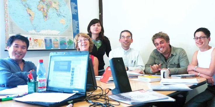 Visit here to get complete information about Spanish immersion programs in Chile.