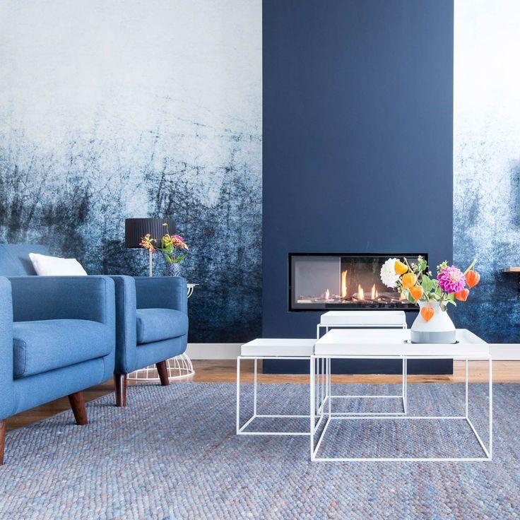 Gaaf behang | De blauwe woonkamer van Jochem en Danny uit aflevering 6, seizoen 3 | Weer verliefd op je huis | Make-over door: Wendy Verhaegh | Fotografie Barbara Kieboom