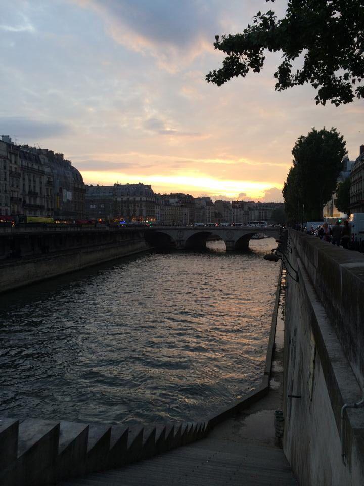 Parisian sunset.  By: Carolina Serrano
