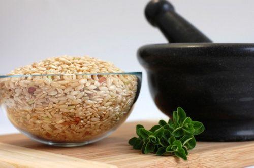 insalata riso integrale vegetariana