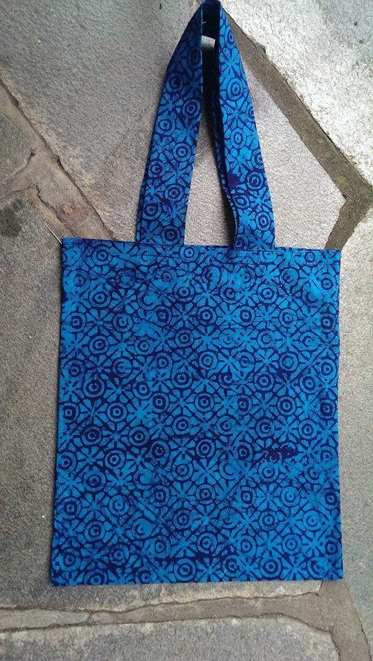 Handlenett laget av batikk.