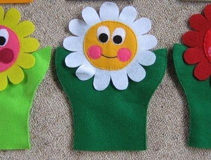 Hand Puppets Felt: More flower faces