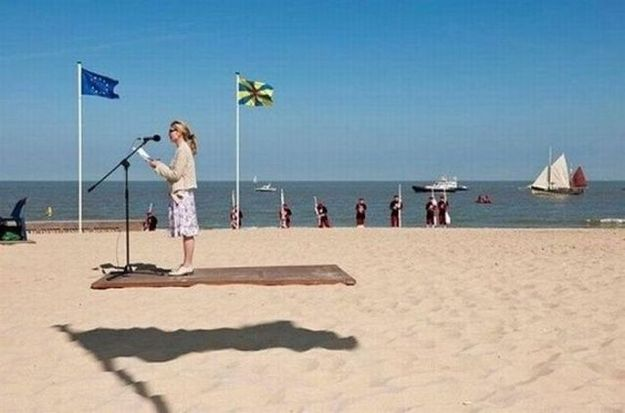 (This woman is not levitating on a floating platform.) | 24 Photos You Need To Really Look At To Understand