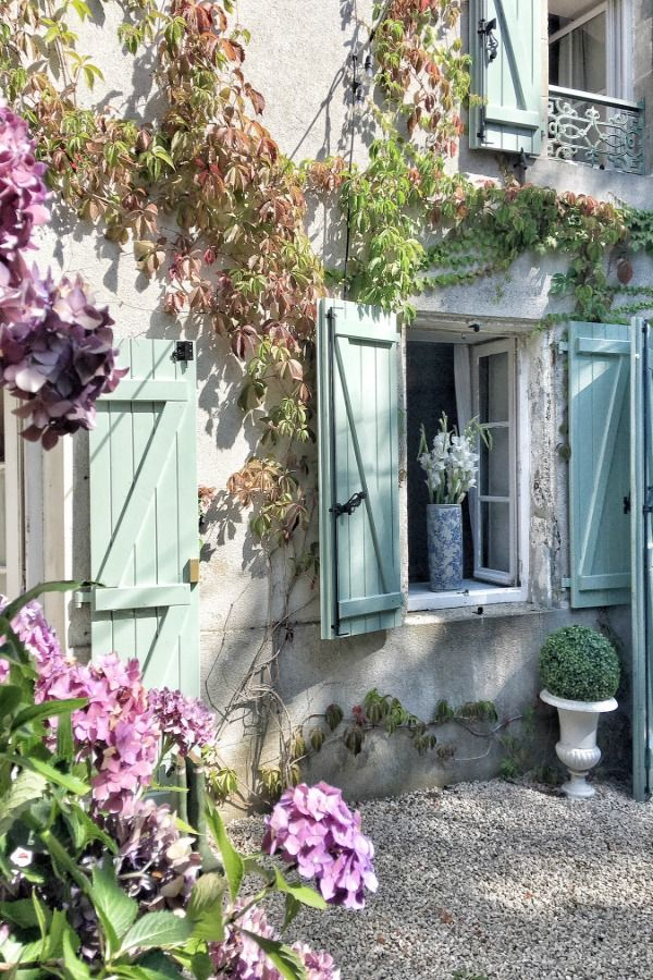 31 Beautiful French Farmhouse Style Moments {Decor Inspiration}