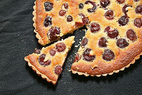 Cherry Frangipane Tart: Cherries Frangipan, Tarts Sweet, Christmas Cherries, Recipes Sweet, Sweet Tarts, Tarts Doce, Cherries Seasons, Honest Cooking, Frangipan Tarts