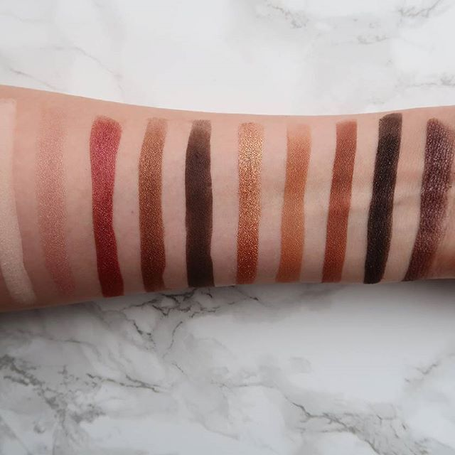 These eyeshadow colors from the Zoeva Cocoa Blend palette are so pretty ! An article about this palette and some other make-up products will be online soon We are working on new recipes, make-up reviews, diy's and more for our renewed blog . #makeup #zoeva #zoevaeyeshadow #zoevapalette #cocoablend #swatches #review #blog #blogger #crueltyfree #crueltyfreecosmetics #crueltyfreebeauty #vsco #vscocam #canon #canonpowershotg7x #igers