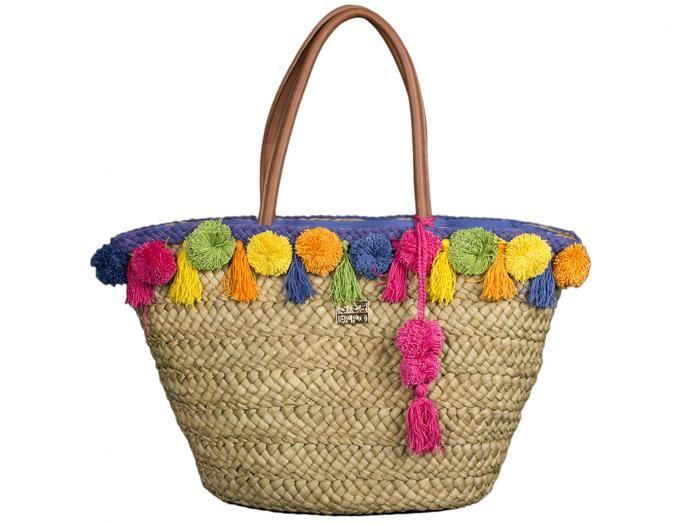 Daro / Capazo de rafia natural con decoración de pompones de colores. Un capazo alegre y colorido para combinar con tus looks étnicos más veraniegos.