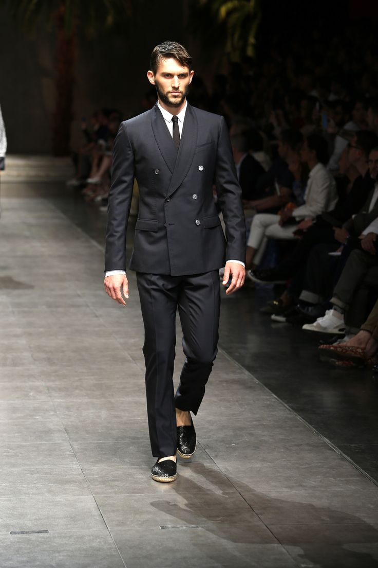 dolce gabbana spring 2016 menswear menswear runway. Black Bedroom Furniture Sets. Home Design Ideas
