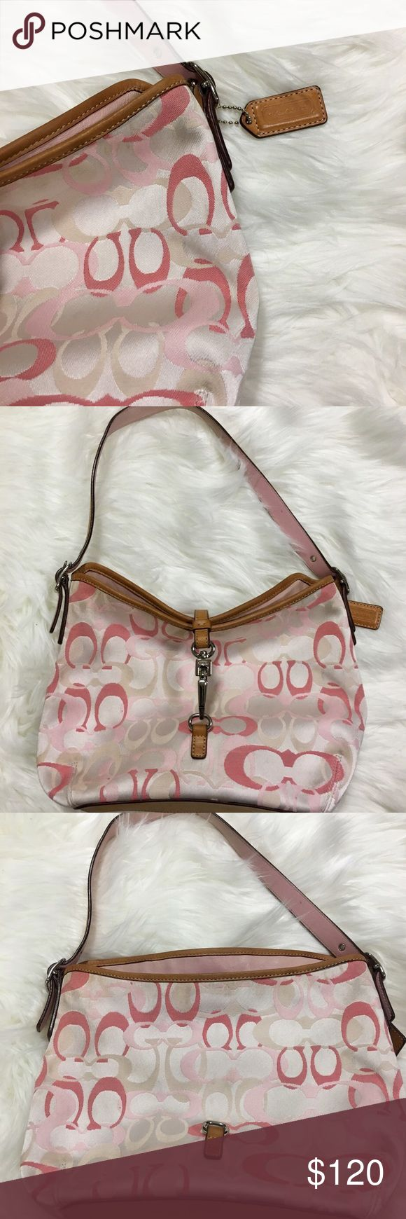 Rare Coach Hampton Clip signature Optic C hobo RARE & STUNNING Coach Hampton Clip medium signature Optic C hobo. Excellent condition! Small tiny black dot on the back of the bag as shown. Inside almost like new.  Very minor and barely noticeable mark by inside zipper. This is the bag for you..for when you want to show up all the other moms at the book club...for the book you didn't read because seriously? Who has time to read a book with little kids putting toys up there noses??  😳. 11W x…