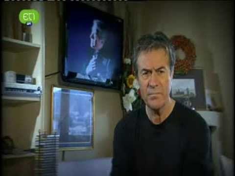 Ο Αλέξανδρος Παπαδιαμάντης στο θέατρο - YouTube