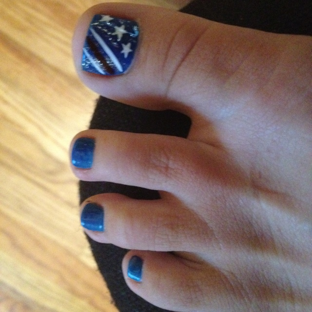 fourth of july toe nails