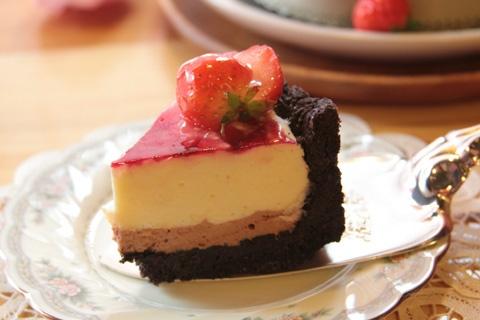 진한~ 라즈베리 화이트 쵸콜릿 레어 치즈 케이크  마카다미아 다크쵸콜릿,cake,strawberry,chocolate,cheese