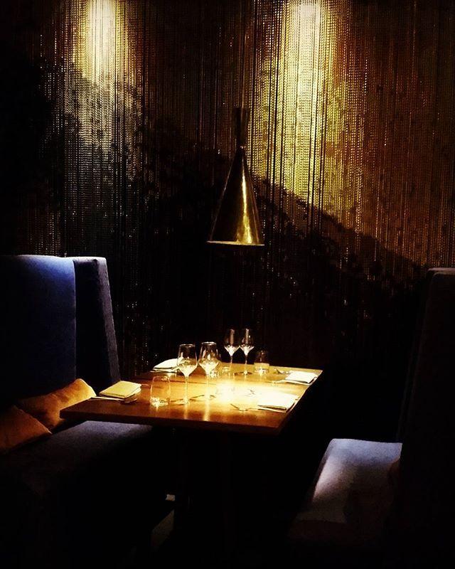 Inspiration 70's Le 1K  premier restaurant péruvien  à  Paris et son bar clandestin  #instainspiration#instamoment#parisianstyle#gold#1k#bar#clandestino