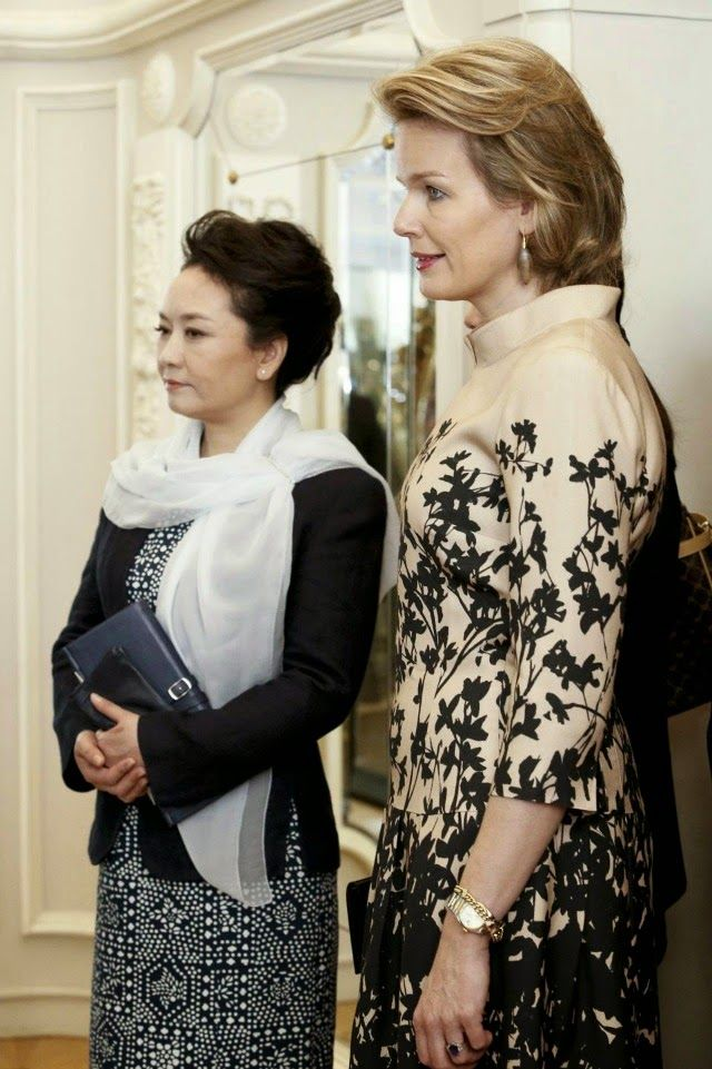 MYROYALS &HOLLYWOOD FASHİON: State Visit from China to Belgium - Day 2-Queen Mathilde and Chinese First Lady Peng Liyuan visted the Museum of Music Instruments in Brussels, March 31, 2014