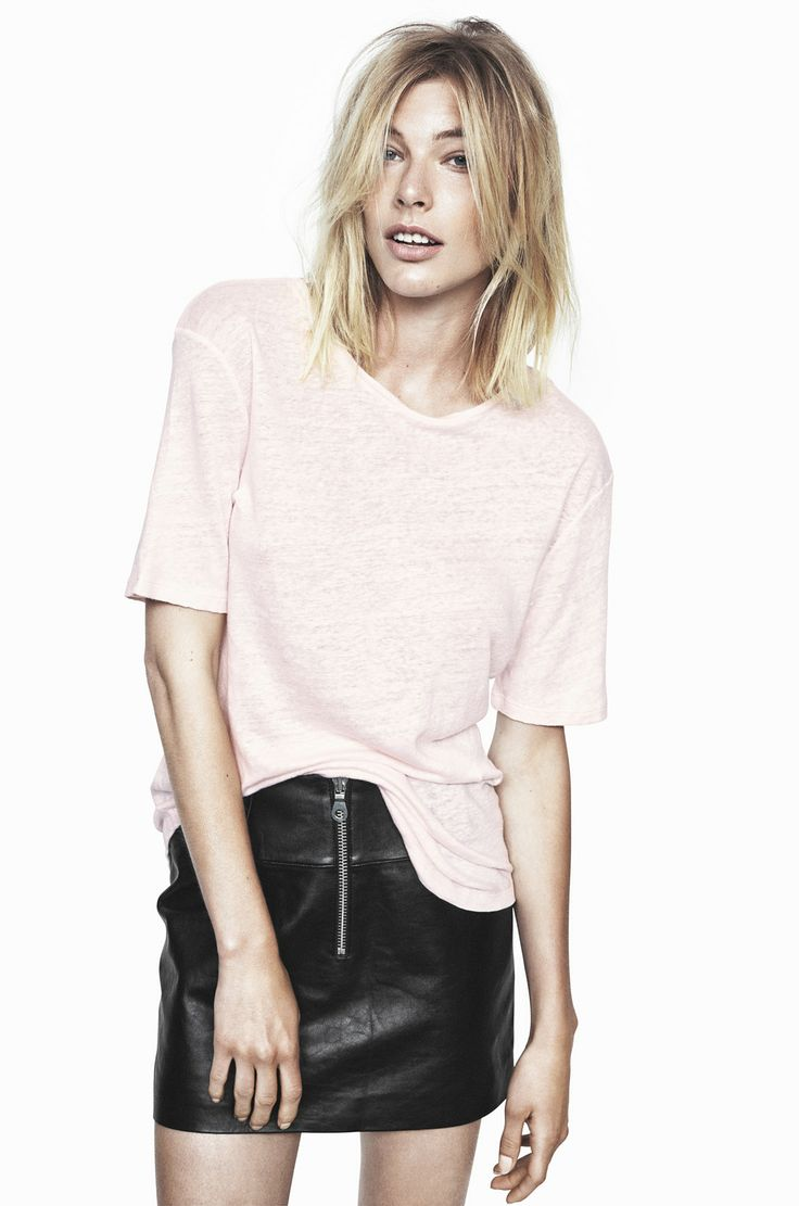 THE FALL LINEN T-SHIRT IN HEAVENLY PINK AND LORD KNOWS LAMB LEATHER MINISKIRT IN ANTHRACITE BLACK http://fallwinterspringsummer.com