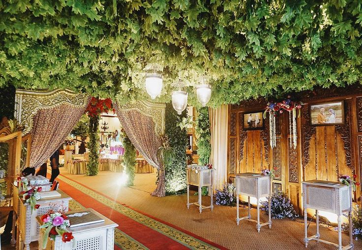 """46 Likes, 2 Comments - Event & Wedding Decor Jakarta (@sentrabunga) on Instagram: """"Modern Javanese garden-inspired wedding reception table area with hanging leaves canopy.  Organized…"""""""