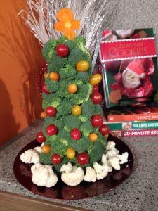 Broccoli Veggie Tree / Christmas Vegetable Display | The Produce Mom