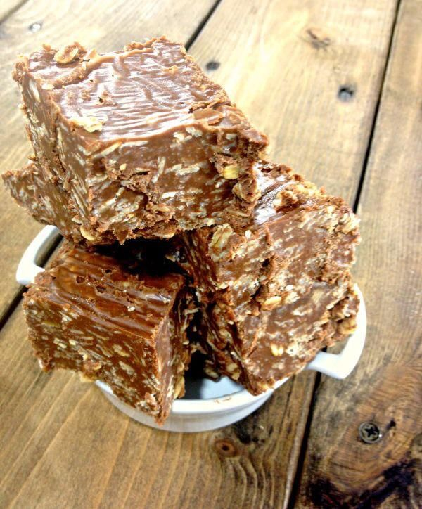 Chocolate Peanut Butter Oatmeal No Bake Bars. Recipe here: http ...