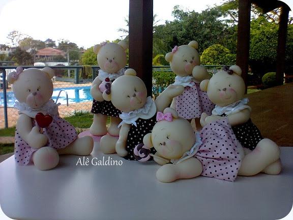 Ursinhas para mesa de aniversário ou quarto de bebê em porcelana fria.