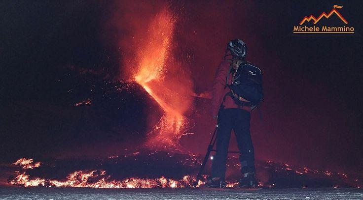 #Etna - 27.02.2017   Riparte finalmente il vulcano attivo piu alto d'Europa con un episodio, ancora in corso, di forte attività stromboliana e una colata dalla bocca eruttiva sulla ex sella morfologica tra il cratere di sudest e il nuovo cratere di sudest dove si accresce da un poco piu di un mese un nuovo cono di scorie. #sicily #volcanoes #eruption  ©Photo Credit Foto 1:  Michele Mamminoi