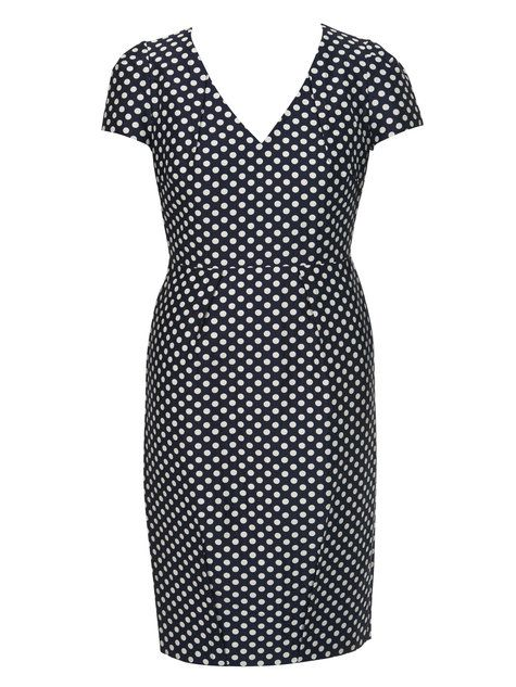 1950s style dress features many exposed darts which add structure to the dress. You can omit the sleeves, or sew the dart on the inside for a different look. (Plus sizes!)