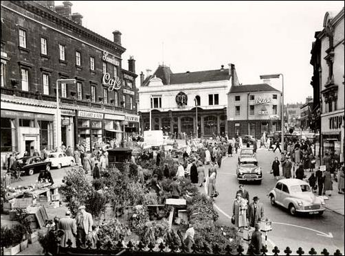 Market Square up 'anley duck! 1960-61