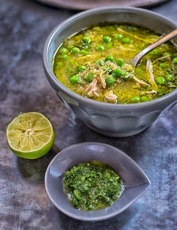 Peruánská kuřecí polévka aquadito s koriandrem a quinoou , Foto: All