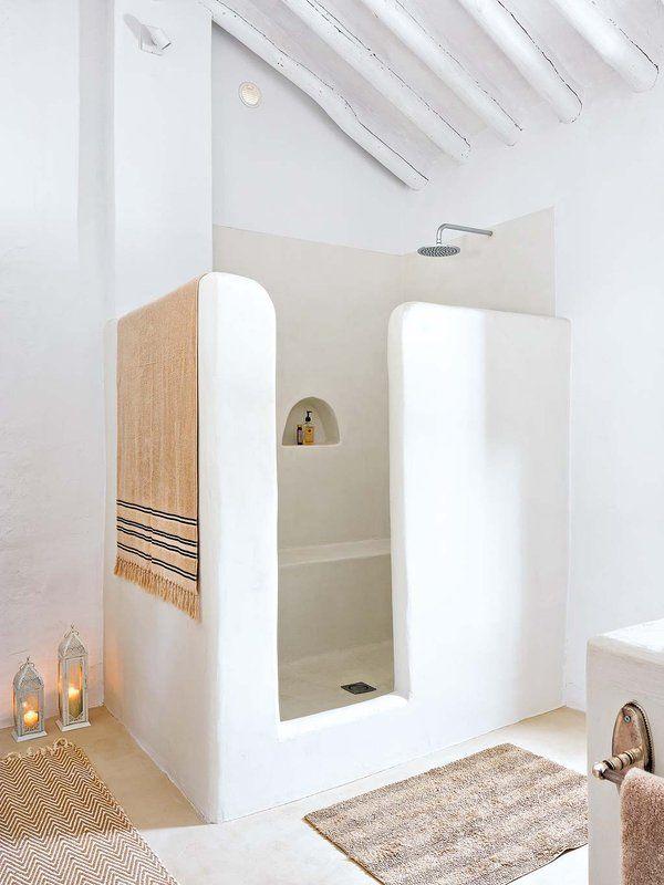 Un #cortijo reformado rodeado de olivos #casa  #ducha#baño