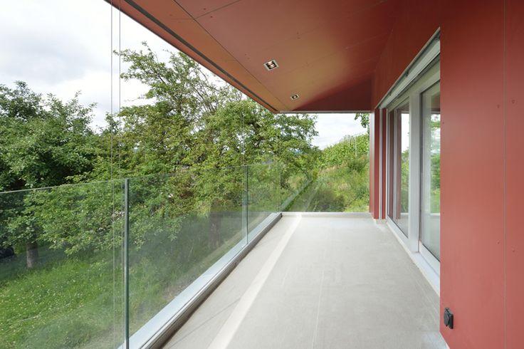 http://www.mgh.ch/projekte/wohnbau/efh-schlattingen/balkon.html