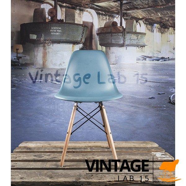 Design Eames DSW stoel petrol blauw | Eetkamerstoelen http://www.vintagelab15.com/webshop/zitten/eetkamerstoelen/design-eames-dsw-stoel-petrol-blauw