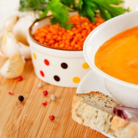 Zuppa d'orzo decorticato