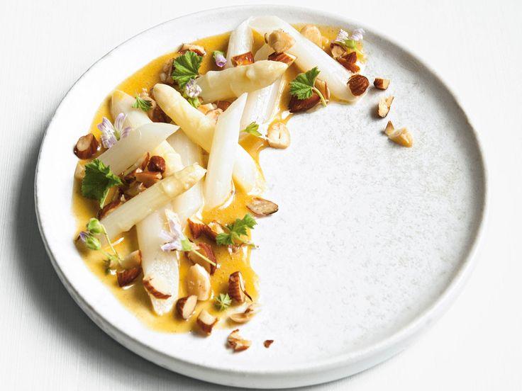 Inkokt vit sparris med brynt smör-sås | Recept från Köket.se