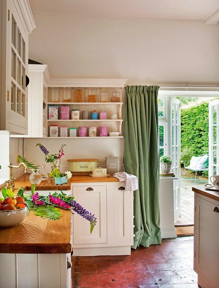 Accente de violet într-o frumoasă casă din Marea Britanie Posted by : Petra Cristina Ene Post date : miercuri, 7 mai 2014 Label : amenajari ...