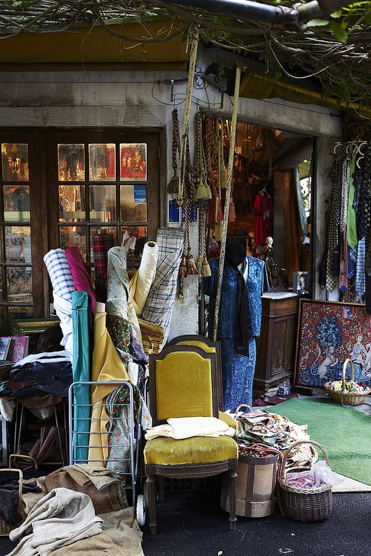 A fabric and sewing shop in Paris by Nicole Franzen ᘡղbᘠ